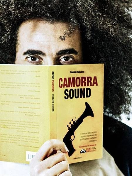 Caparezza legge Camorra Sound