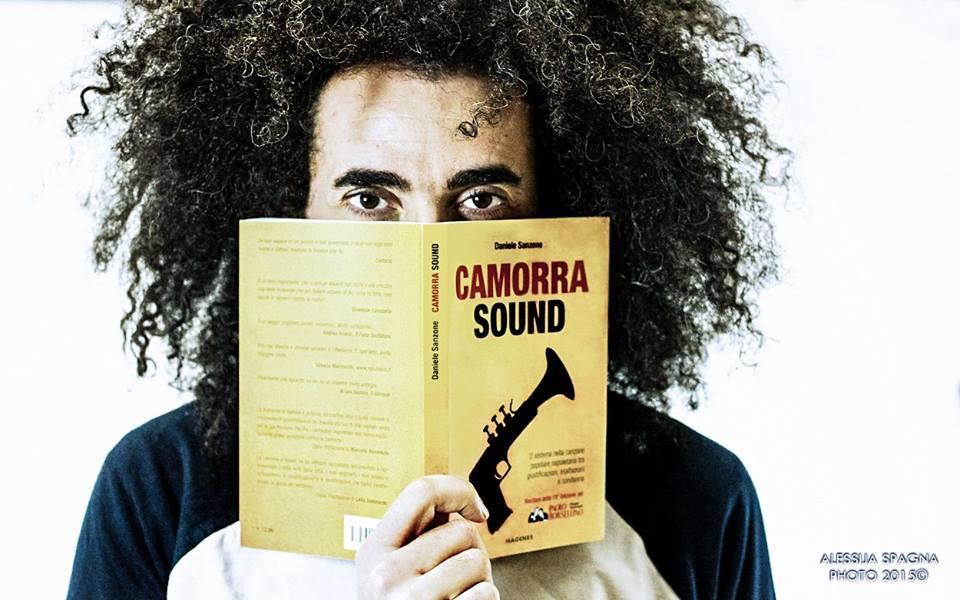 Caparezza legge Camorra Sound